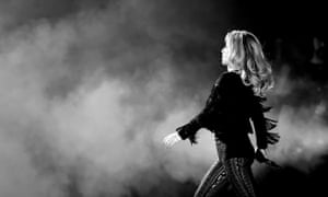 Shania Twain performs at the 2017 Stagecoach California's Country Music Festival