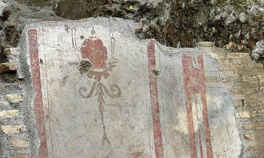 The find includes fragments of walls bearing frescoes