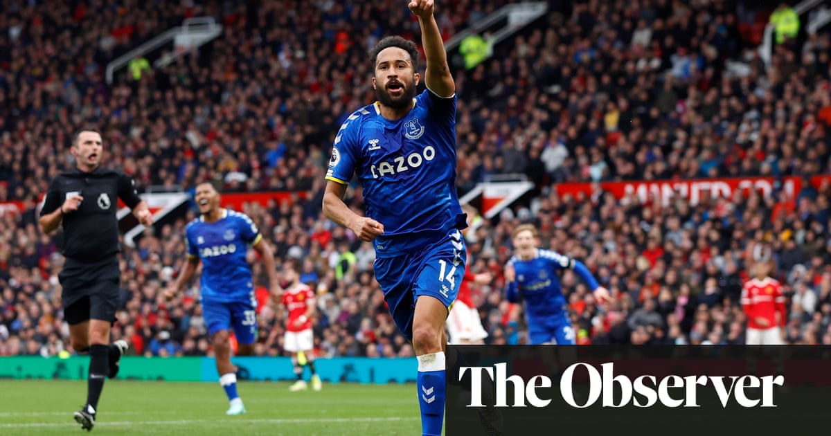 Everton's Andros Townsend wins point against toothless Manchester United
