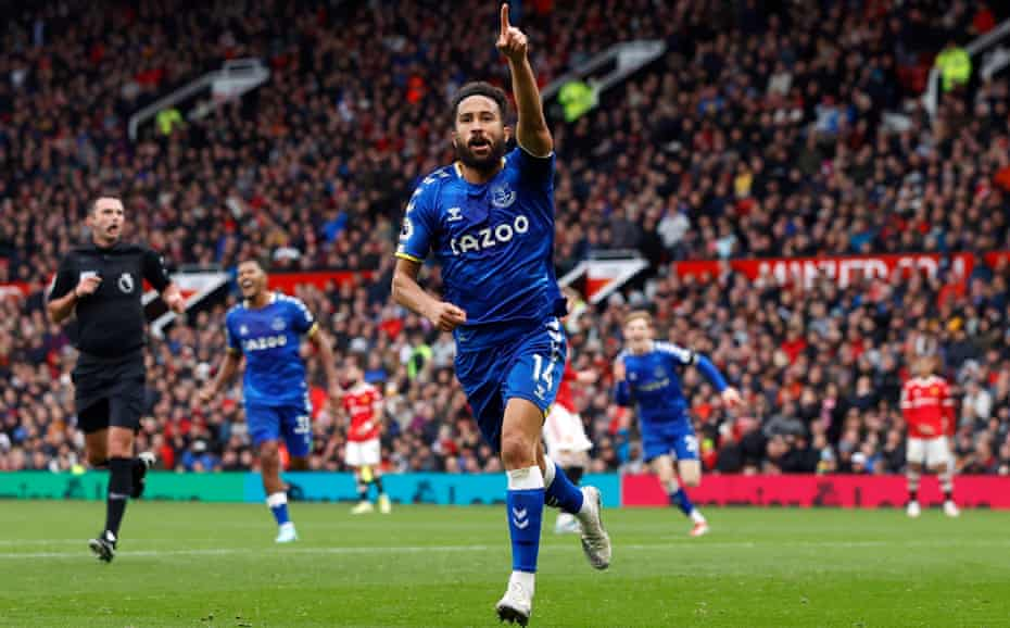 Andros Townsend celebrates scoring Everton's equaliser at Manchester United