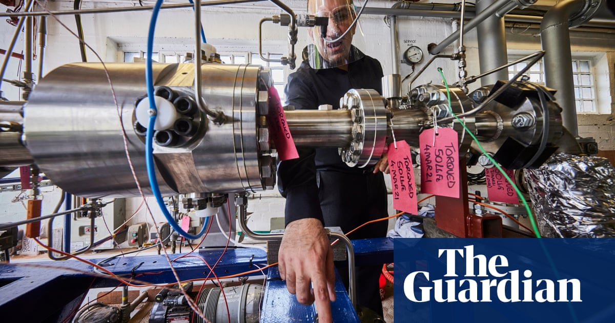 'They said we were eccentrics': the UK team developing clean aviation fuel
