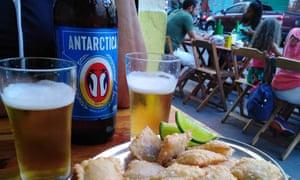 A fish dish and a pint at Bar do Peixe