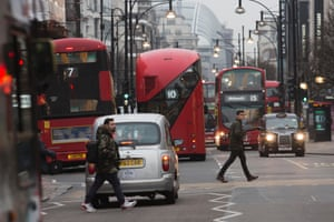 In July 2014 researchers from King's College London found that concentrations of nitrogen dioxide in Oxford Street are the worst on earth