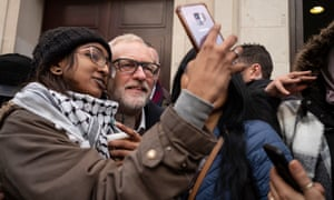 Jeremy Corbyn posing for a selfie on a visit to SOAS this morning.