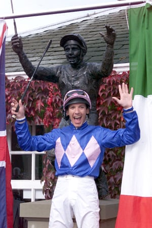 Frankie Dettori unveils the statue of himself at Ascot racecourse to commemorate the seven winners he rode on the same card five years earlier.