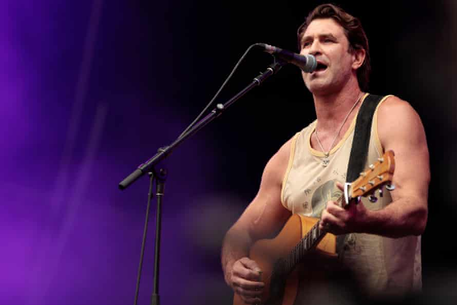 Pete Murray performing during Fire Fight Australia at Sydney's ANZ Stadium on 16 February, 2020.