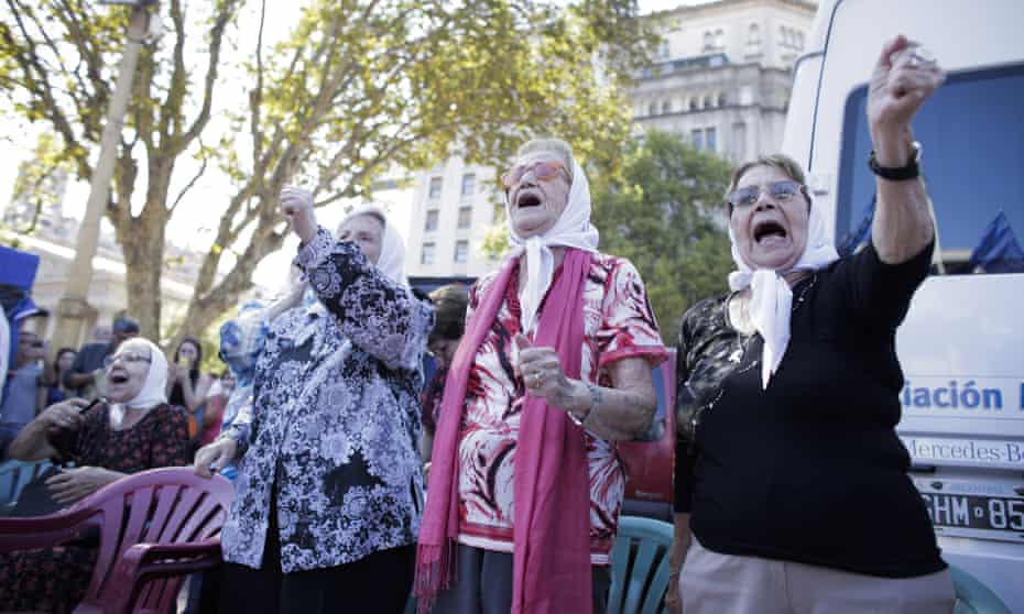 40 years, few answers: Mothers of Plaza de Mayo, a human rights group, demand information on missing relatives. 24 March will mark four decades since the coup.