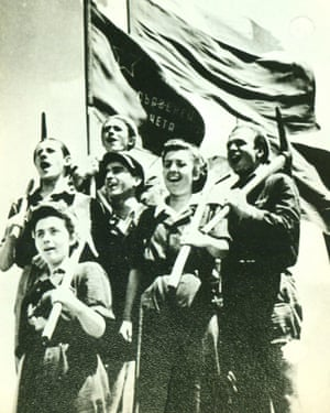A group of young volunteers during the construction of Dimitrovgrad in 1949.