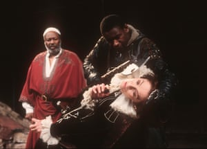 Paul Butler (Mark Antony), David Harewood (Enobarbus) and Vanessa Redgrave (Cleopatra) in Antony and Cleopatra at Riverside Studios, 1995.