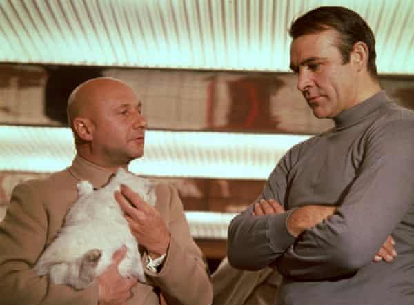 Connery y Donald Pleasance en Sólo se vive dos veces.