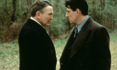 Albert Finney and Gabriel Byrne in Miller's Crossing, a film full of question marks.