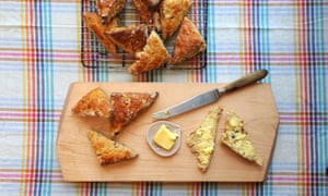 Cheesy date scones