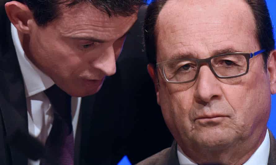 Manuel Valls speaking to François Hollande.