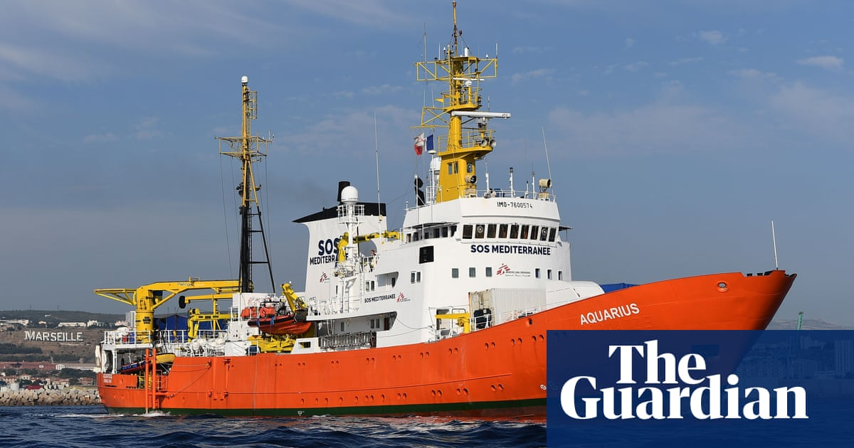 Portugal agrees to take 10 rescue ship migrants amid