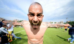 Frosinone's Danilo Soddimo celebrates his side's promotion to Serie A after their victory over Crotone.