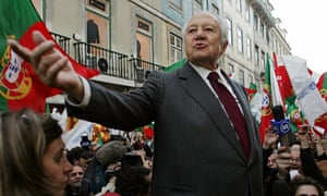 Mário Soares giving a speech during his election campaign of 2006.