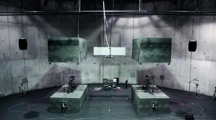 Atmen (Lungs) by Duncan MacMillan at the Schaubühne