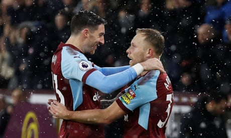 Scott Arfield gives Burnley win over Watford after Marvin Zeegelaar red card
