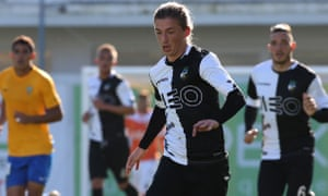 Ryan Gauld in action last December for Farense, who were on course for promotion to Portugal's top flight when the season was halted.