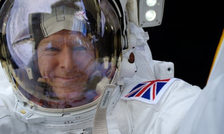 Today, more than 780,000 people follow Tim Peake on Twitter. That is more than any other ESA astronaut.