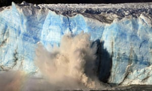 Glacier dam breaks