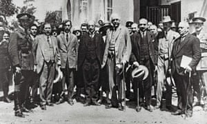 Arthur Balfour, centre, and Chaim Weizmann, third from right, in Tel Aviv in 1925.