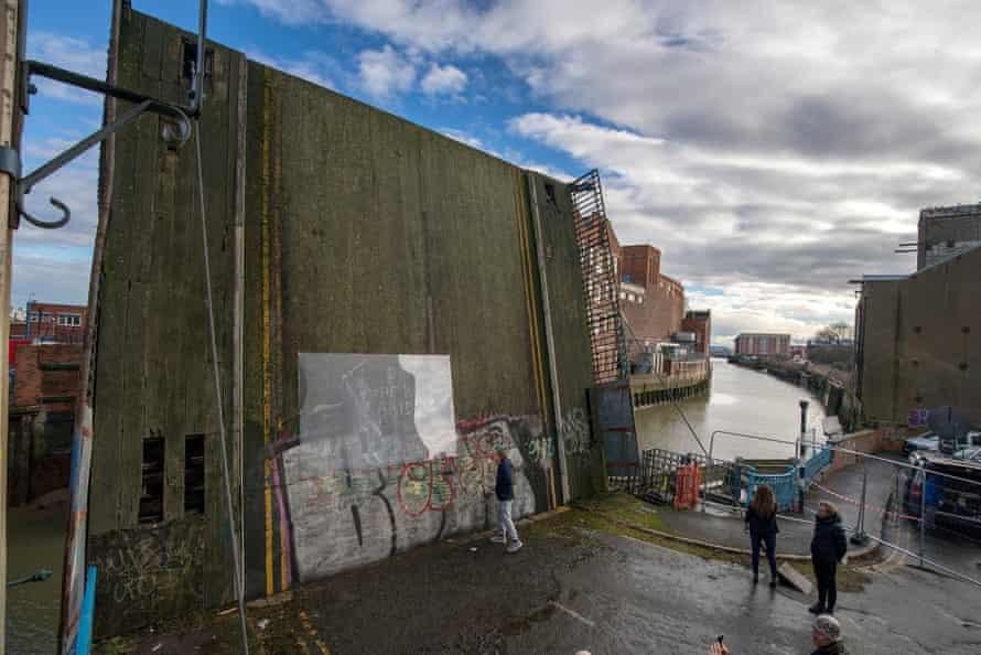 'Draw the raised bridge!' … Hull's Scott Street bridge.