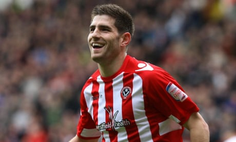 Ched Evans set to re-sign for Sheffield United from Chesterfield