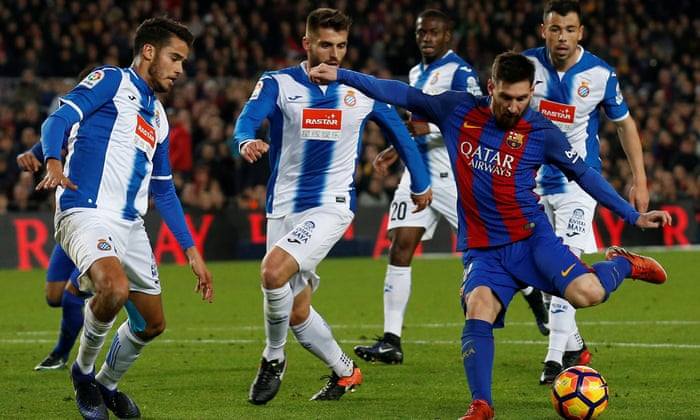 08a66939f36d9 Lionel Messi inspira al Barcelona a una cómoda victoria sobre el Espanyol