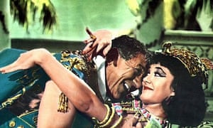 Sid James and Amanda Barrie in Carry On Cleo