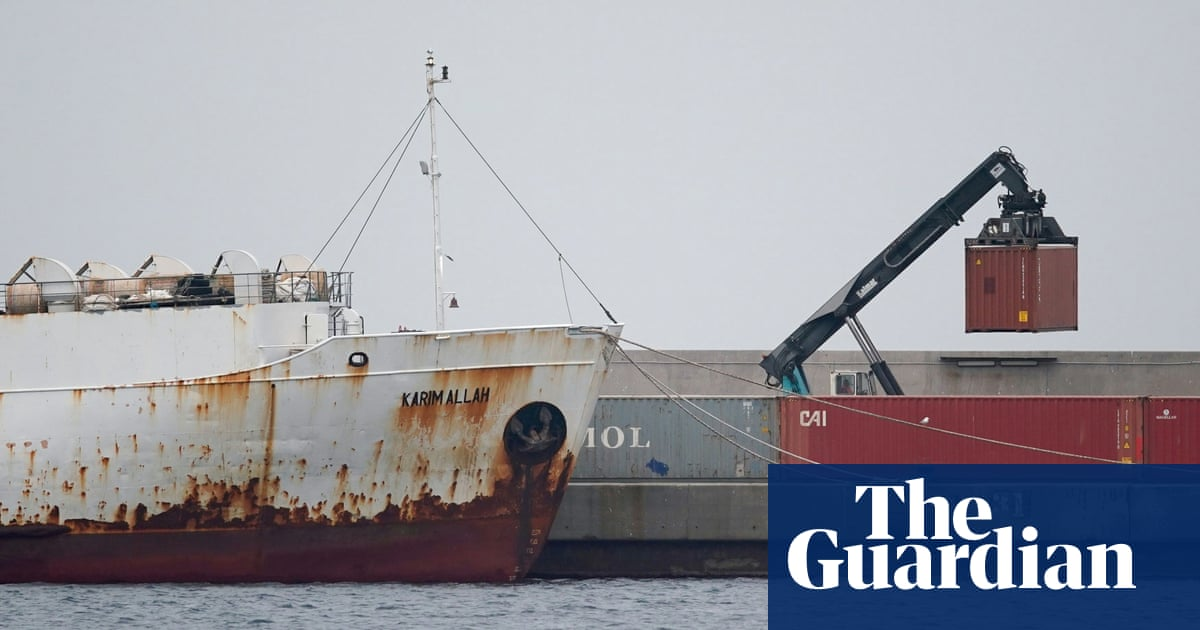 How nearly 3,000 cattle came to be stranded at sea for three months