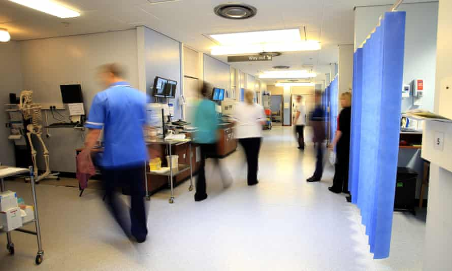 Factors adversely affecting NHS staff retention include low morale and poor pay, finds a healthcare survey.