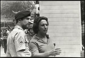 Robert De Niro and Michael Cimino discussing a scene on the Thailand shoot of The Deer Hunter