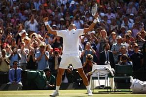 Djokovic beats Anderson 6-2, 6-2, 7-6 (3) to win Wimbledon.