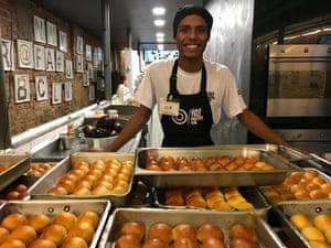 Trainee chef Érick Santos