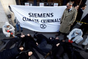 London, UKExtinction Rebellion climate change activists demonstrate in front of Siemens' headquarters