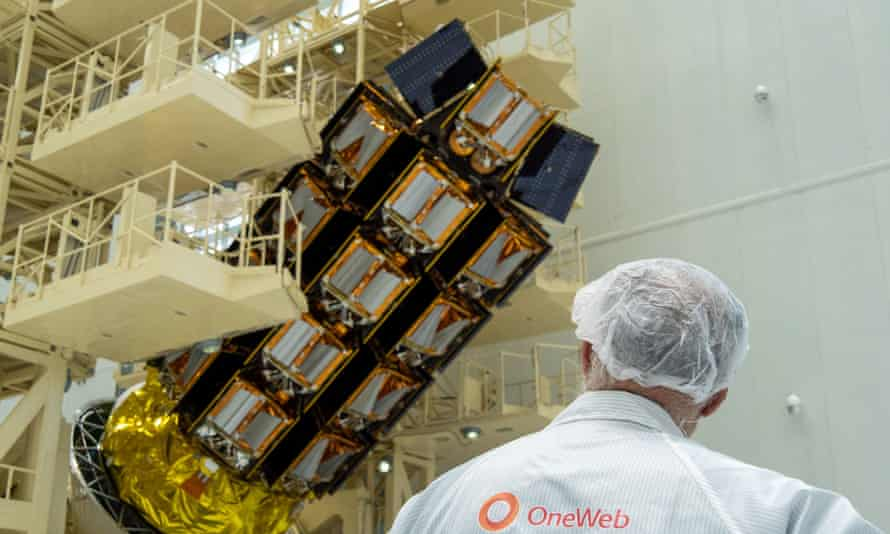 A spacecraft carrying OneWeb satellites.