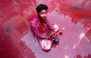 Indian Hindu devotees celebrate Holi