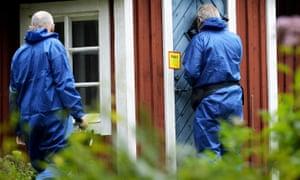 谷仓的犯罪现场调查员在Kristianstad,瑞典南部