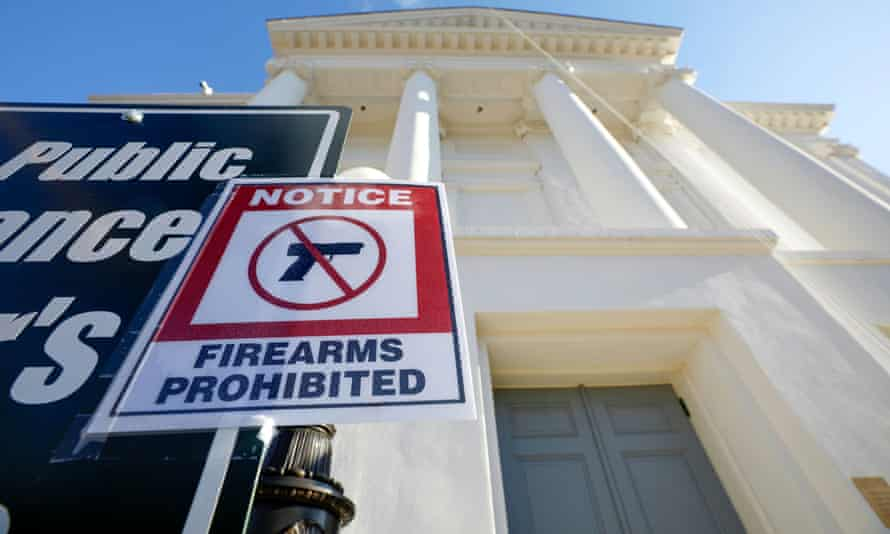 A sign warns visitors not to enter the Virginia State Capitol building with their firearms.