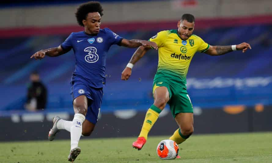 Chelsea's Willian chases Onel Hernández of Norwich during the Premier League match at Stamford Bridge.