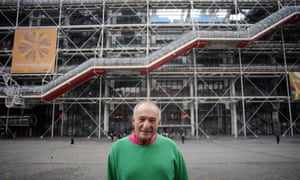 Richard Rogers in November 2007 in front of the Pompidou Centre in Paris, which he built with Renzo Piano.