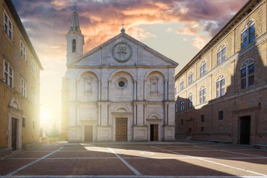 The main square in Pienza.