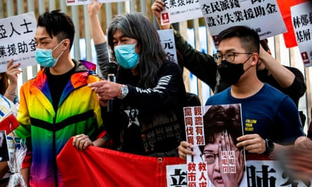 Hong Kong protesters wearing face masks