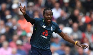 Jofra Archer appeals during the fourth ODI against Pakistan at Trent Bridge