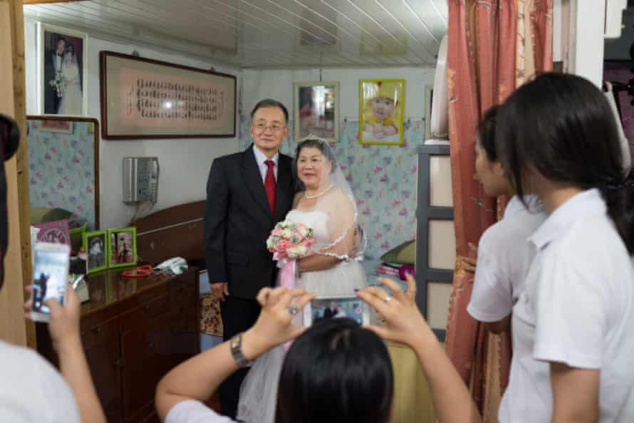 Behind the scenes of Pei Pei and Sun's new wedding shoot