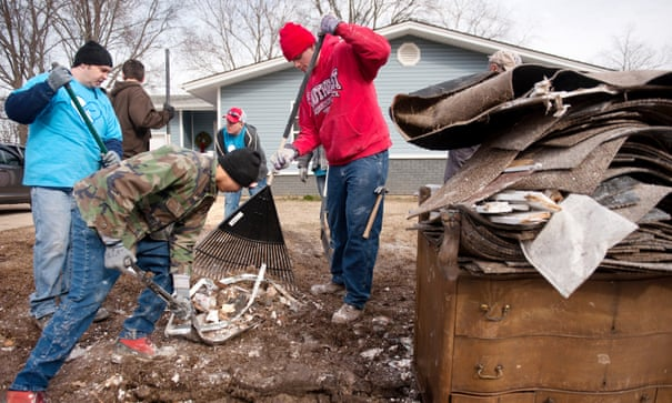 Missouri residents pack up and leave as once-rare floods