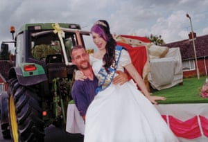 2015 Queen of Barwell, Leicestershire, Charlotte Wilson is assisted from her carriage by her driver, Mr Dave Thorley.