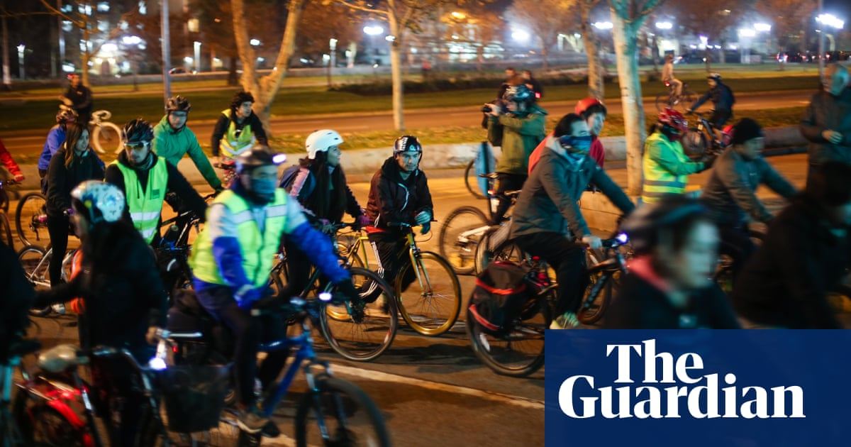 4ac8bb3f661 'Get yourself a bike, perico!': how cycling is challenging Santiago's  social barriers