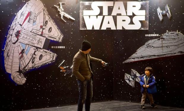 Star Wars: The Force Awakens: В первый день проката в Китае фильм «Звездные войны» собрал  млн
